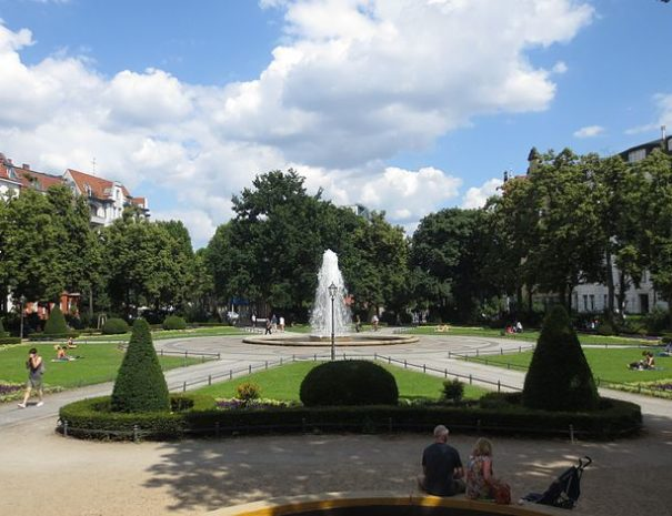 800px-Berlin,_Schoeneberg,_Viktoria-Luise-Platz